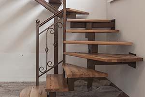Металлические лестницы с элементами ковки. Анапа, Краснодар.