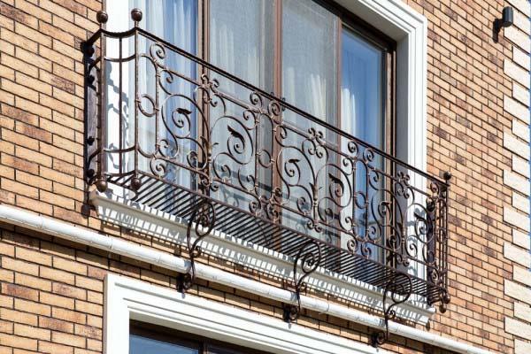 Кованые французские балконы