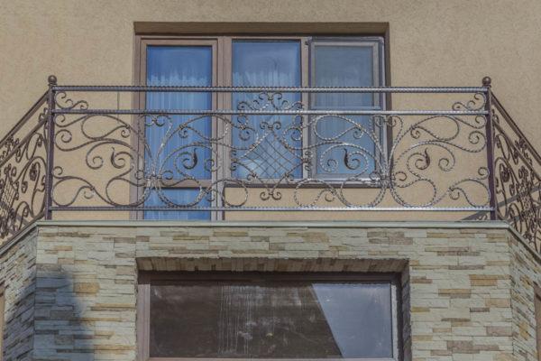 Балконные и лестничные ограждения — х.Красный